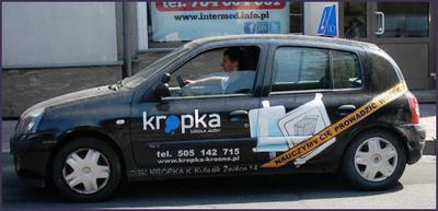 Auto jednej ze szkół jazdy w Krośnie