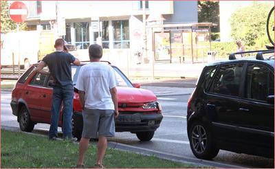 Kolejny wypadek samochodowy we Wrocławiu